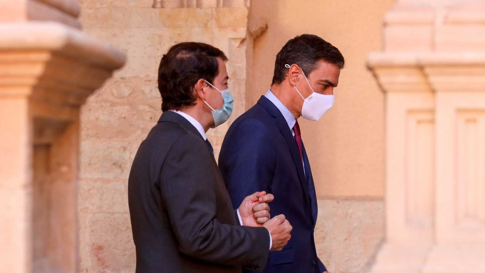 Sánchez anuncia la llegada de 3,4 millones de vacunas extra ante las dudas de los 'barones' del PP