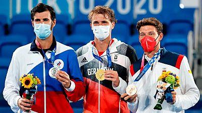 Pablo Carreño recibe la medalla de bronce