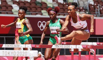 Jasmine Camacho-Quinn se cuelga el oro en los 100 metros vallas