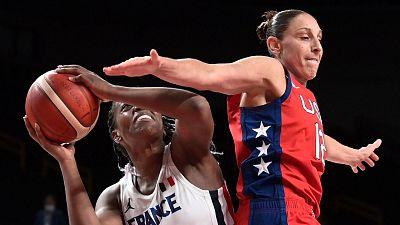 EE.UU. tumba a Francia en baloncesto femenino