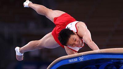 Oro en salto del potro para el surcoreano Jeahwan Shin