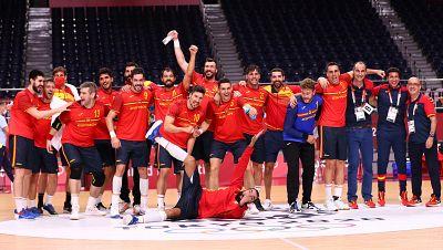 España pasa a semifinales con una brillante remontada