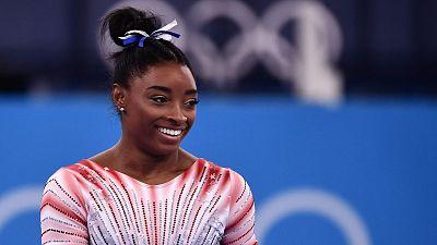 Simone Biles vuelve y se lleva el bronce en barra