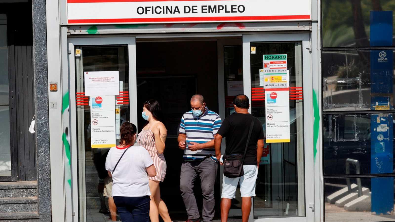 España registra en julio una caída histórica del paro
