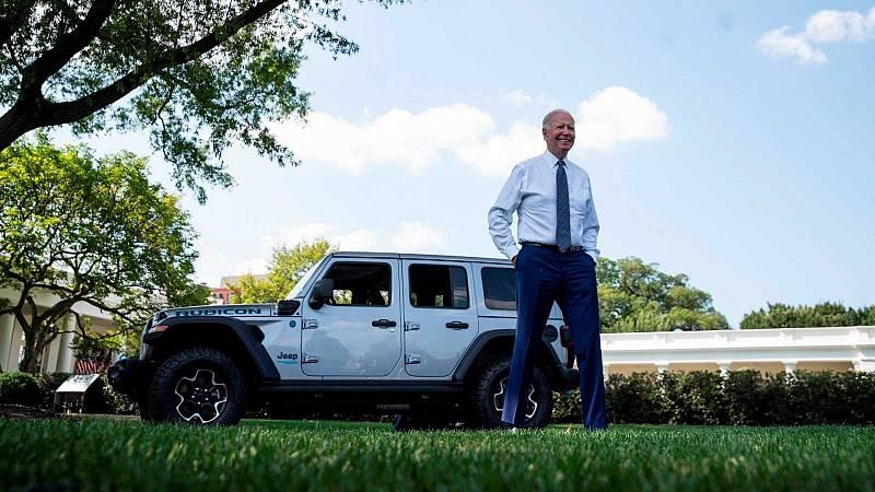 Biden fija como objetivo que el 50 % de los vehículos estadounidenses sean eléctricos en 2030 - Ver ahora