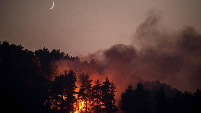 Los incendios siguen causando estragos en el Mediterráneo - Ver ahora