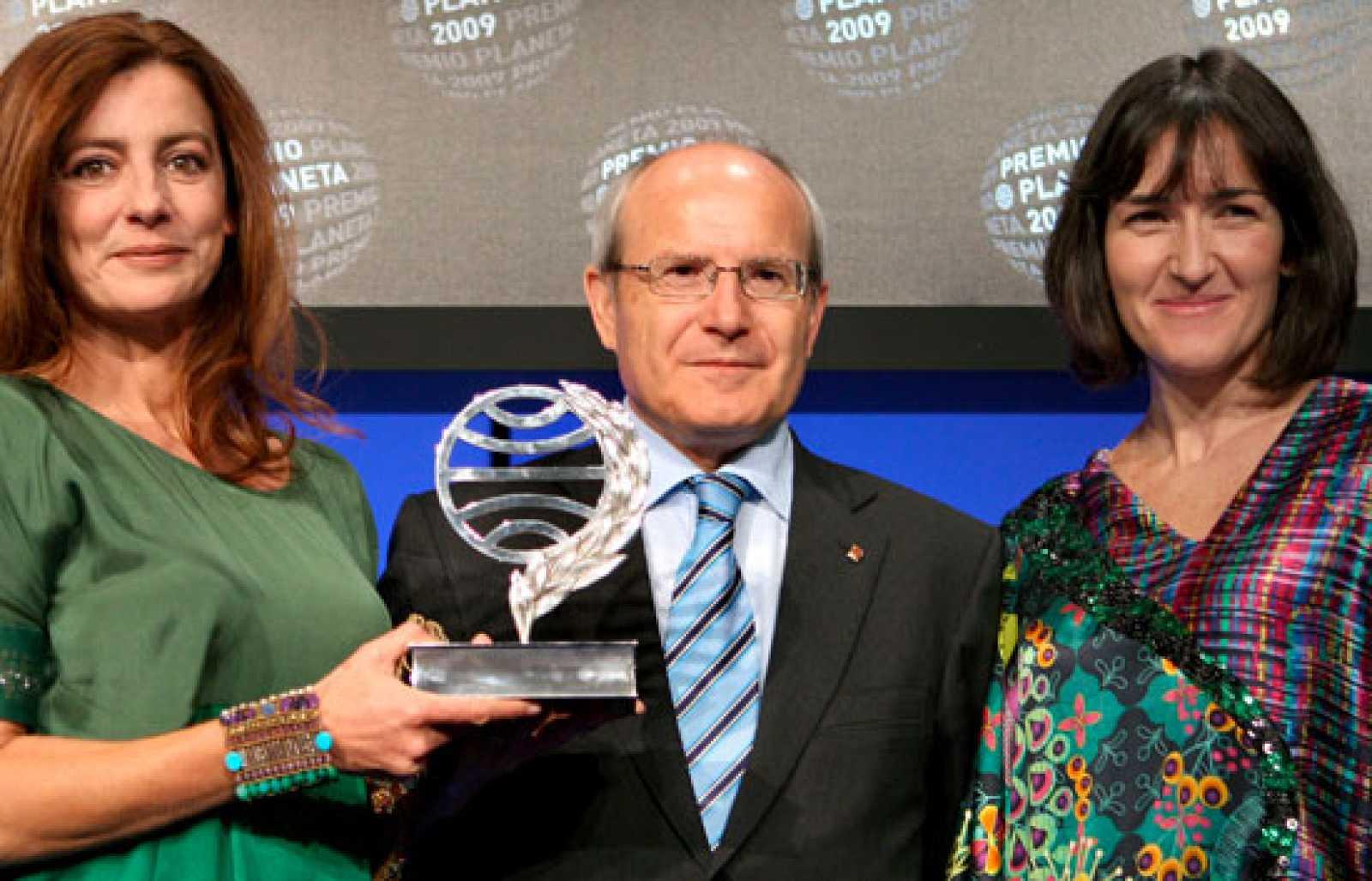 Ángeles Caso gana el Premio Planeta con una novela sobre la inmigración