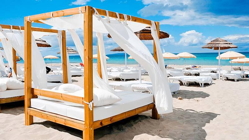 Comando al sol - Ibiza, un turismo de lujo para presumir en las redes sociales