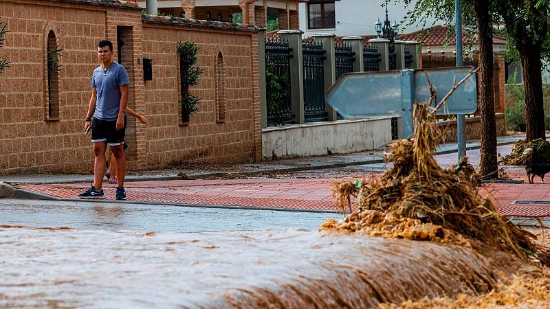 Graves inundaciones en varias comunidades con el paso de la DANA