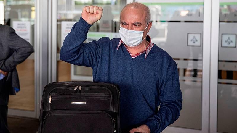 """El marinero Pablo Costas llega a España tras 11 meses retenido en Yemen: """"Pasamos muchas calamidades, nos trataron mal"""""""