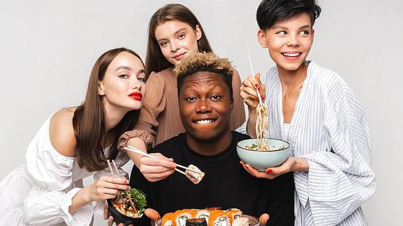 Racismo en Rusia: amenazas a una cadena de restaurantes por un anuncio multiétnico