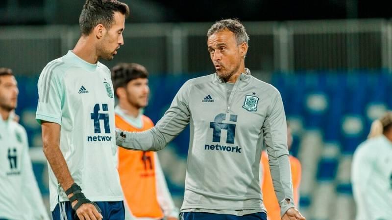 La selección española de fútbol se la juega en Pristina