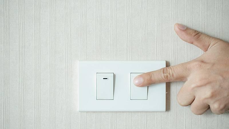 Familias vulnerables denuncian las esperas para el bono social eléctrico