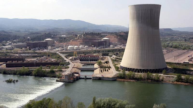 Las eléctricas amenazan con parar las nucleares ante las medidas del Gobierno