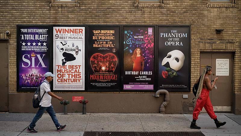 Vuelven los musicales de Broadway tras año y medio cerrados por la pandemia