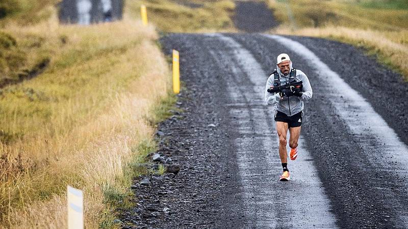 Chema Martínez supera la Volcano Ultra Matarahon: seis maratones en seis días