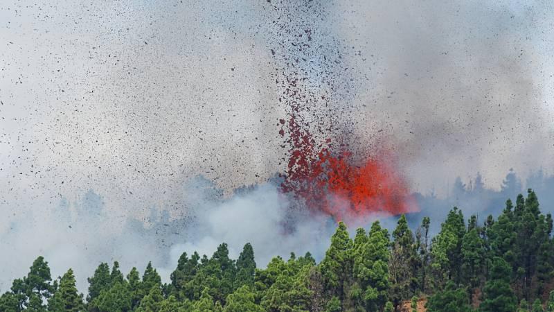 Entra en erupción el volcán en la Cumbre Vieja de La Palma