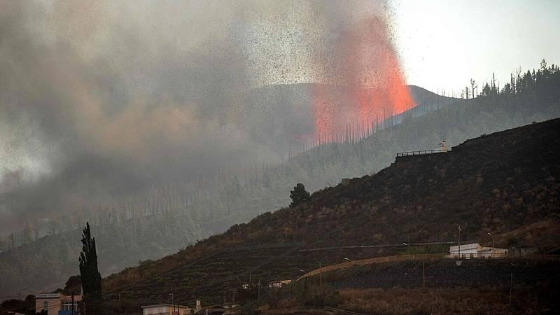 Así explica una experta cómo la lava se abre paso en el volcán de La Palma - Ver ahora