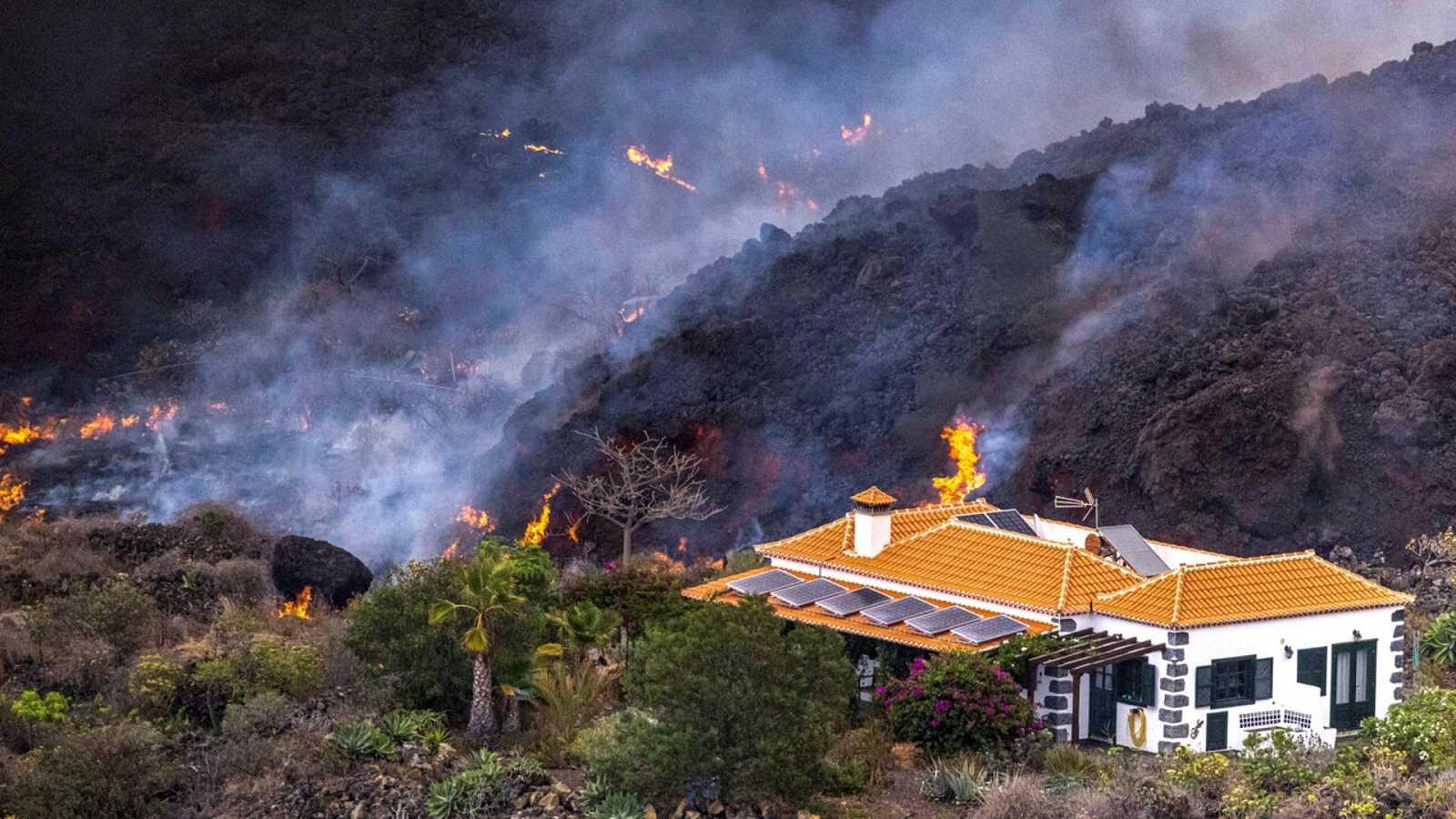 La lava del volcán de La Palma se extiende ya por 180 hectáreas - Ver ahora