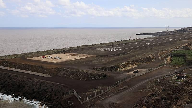 Los vuelos en La Palma se mantienen cancelados con el aeropuerto ya operativo - Ver ahora