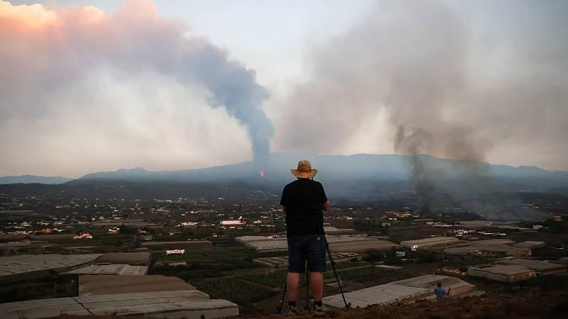 Así trabajan sobre el terreno los científicos en el volcán en erupción de La Palma