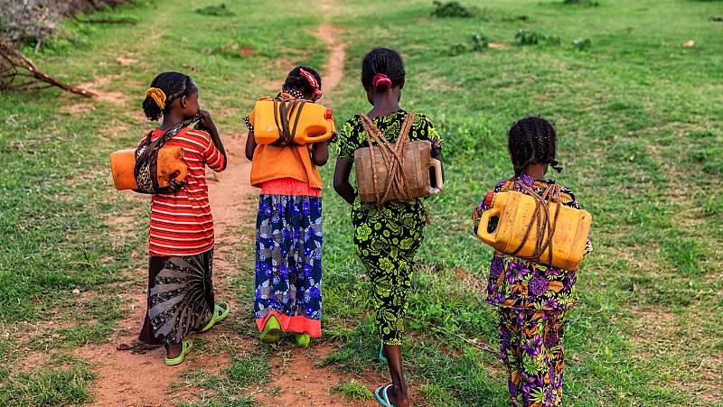 Millones de menores sufren en el mundo agresiones y discriminación por ser niñas