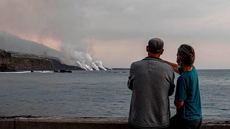 La erupción volcánica aumenta el turismo exprés en La Palma