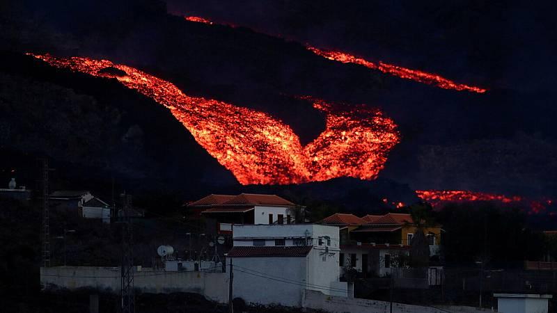 La fuerza del volcán de La Palma sorprende a los vulcanólogos - Ver ahora