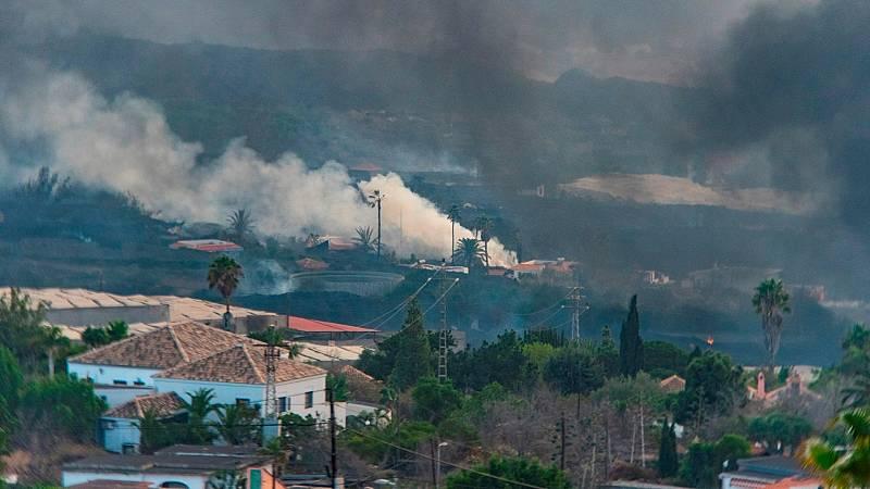 La lava entra en el casco urbano de La Laguna