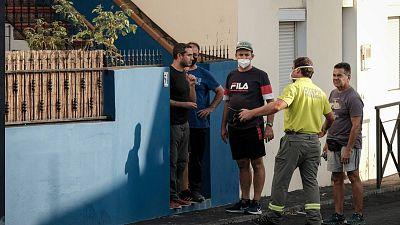 Los vecinos de La Palma, en vilo ante el avance  del volcán