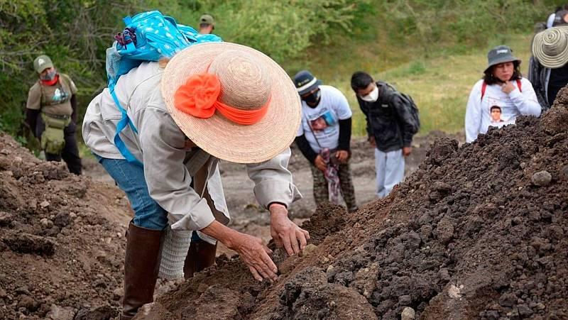 La sociedad mexicana se organiza para buscar a sus miles de desaparecidos en fosas clandestinas