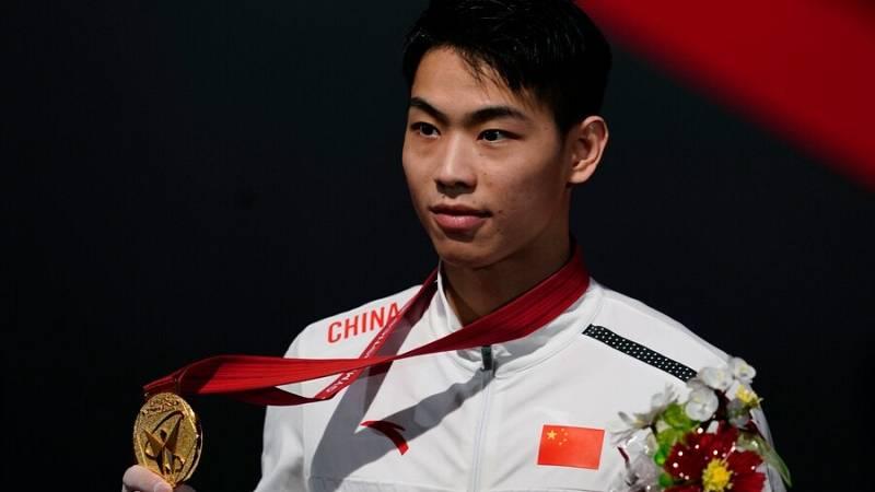 El chino Xuwei Hu acapara los focos con sus triunfos en paralelas y barra
