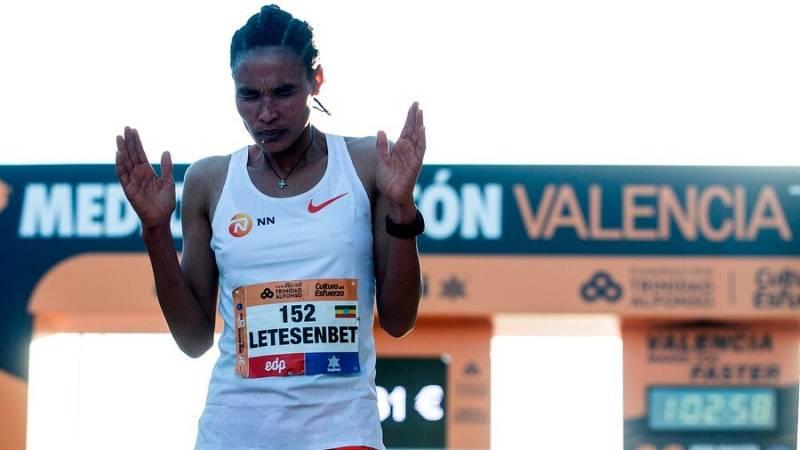 La etíope Letesenbet Gidey bate el récord del mundo de medio maratón en Valencia