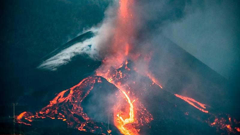 El volcán cambia su morfología y eleva 10 cm el suelo - Ver ahora
