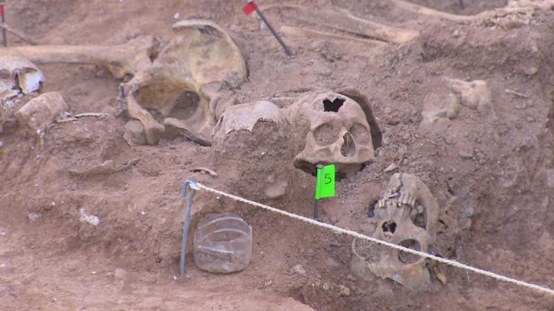 Los restos hallados en las fosas de Belchite son de jóvenes de 20 y 23 años