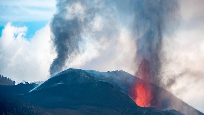 """Blanco, directora del IGN en Canarias: """"El mayor riesgo actual sería la sismicidad"""" - Ver ahora"""