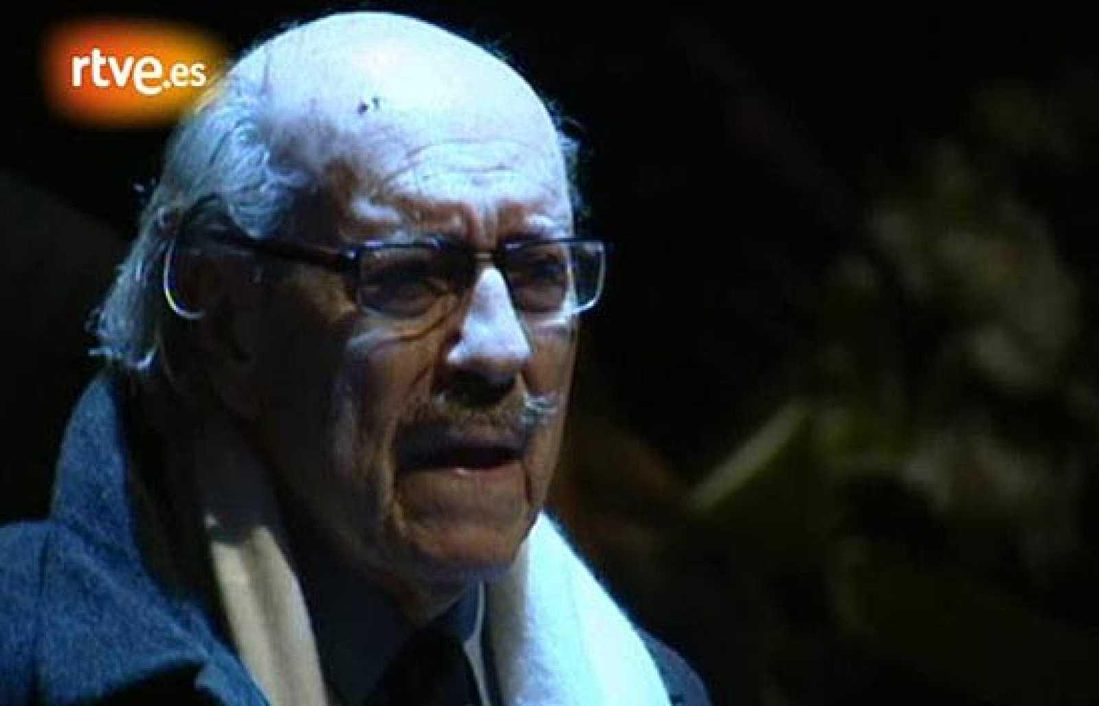 La última imagen que pudivos ver de José Luis López Vázquez fue precisamente en la capilla ardiente de otro de los grandes actores del cine español, Fernando Fernán Gómez.