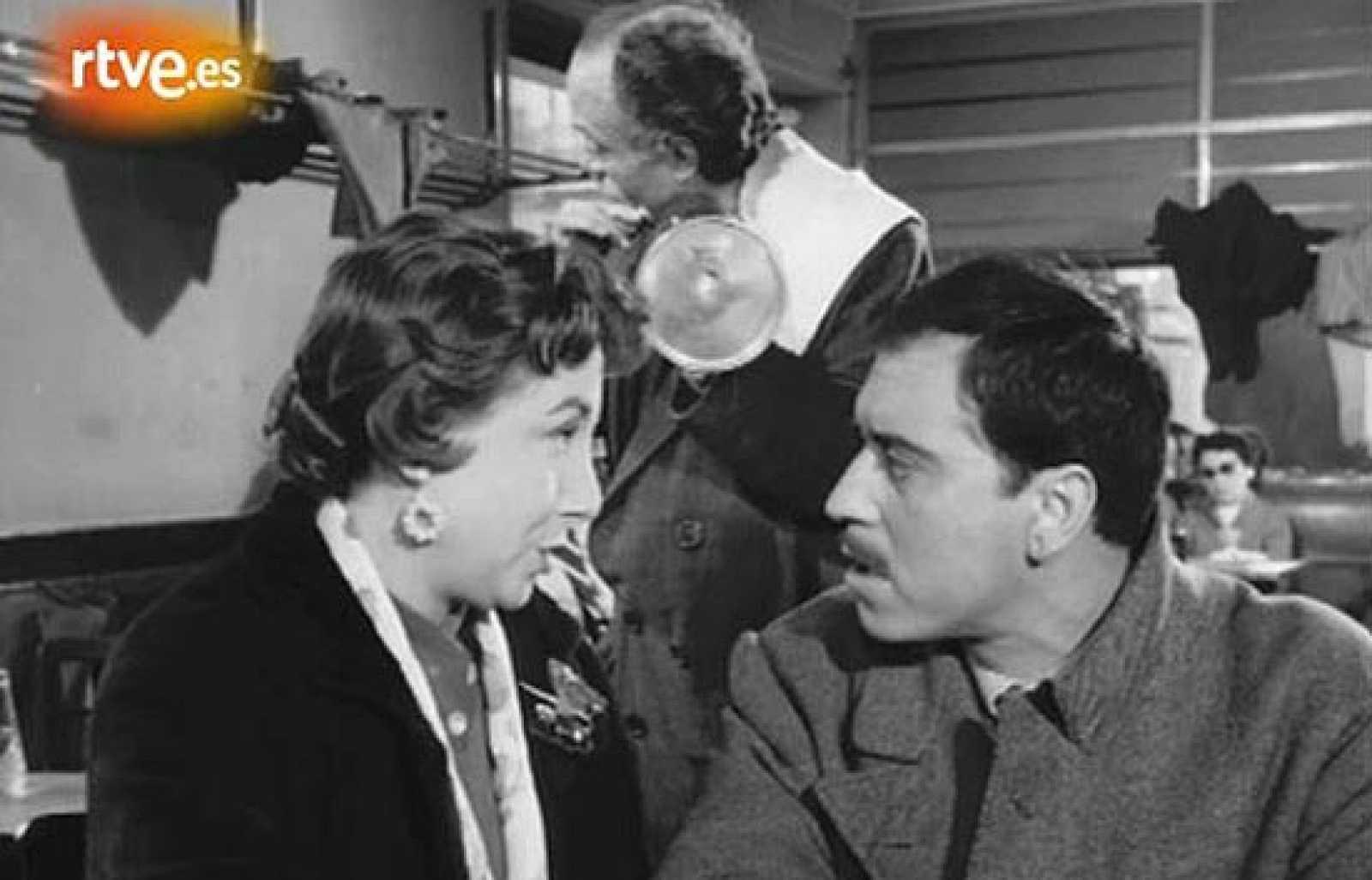 Una de las joyas del cine neorrealista español, 'El pisito', encumbró a José Luis López Vázquez, que firmó una de sus mejores interpretaciones al encarnar a Rodolfo.