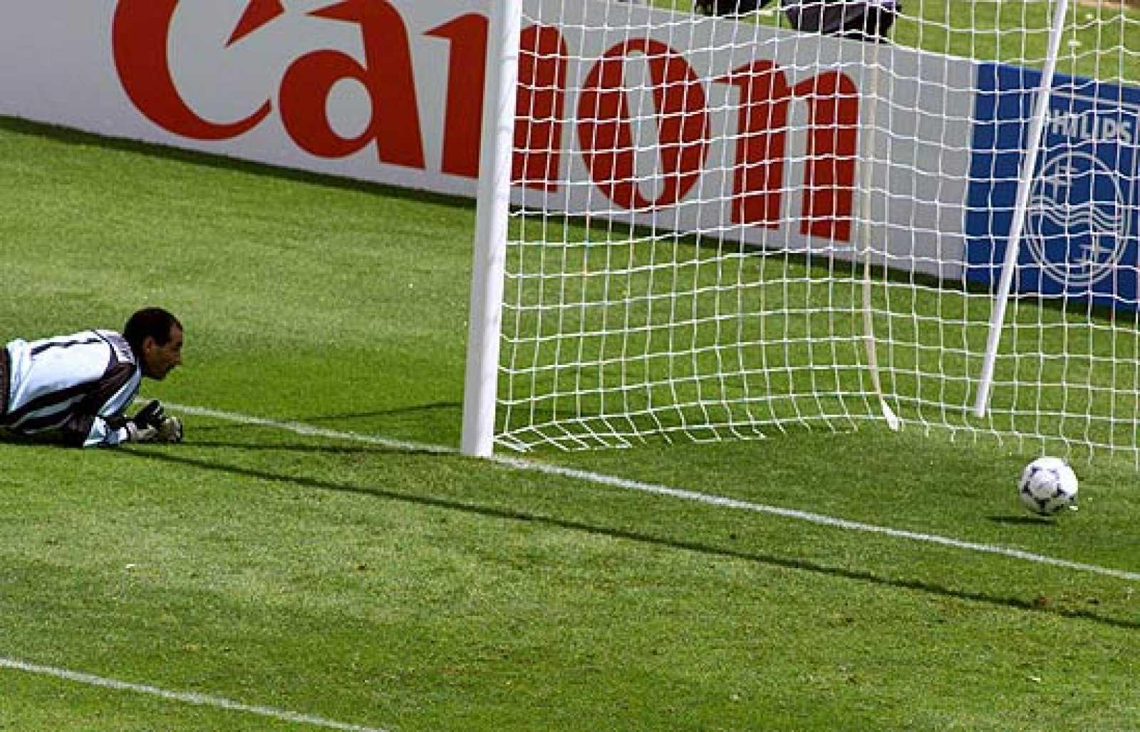Gol involuntario de Zubizarreta