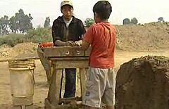 En portada - Perú: menores, trabajar para sobrevivir