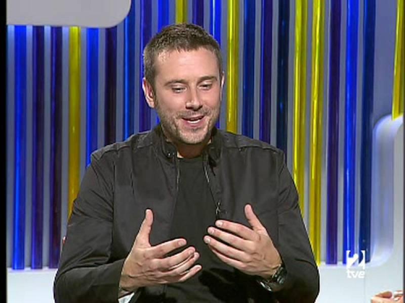 El autor del libro 'Blackwater', Jeremy Scahill, es entrevistado en La 2 Noticias.