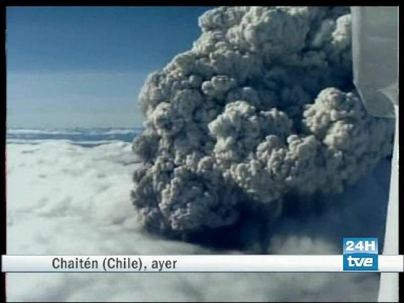 Las cenizas del volcán Chaitén obliga a evacuar varios pueblos de Chile