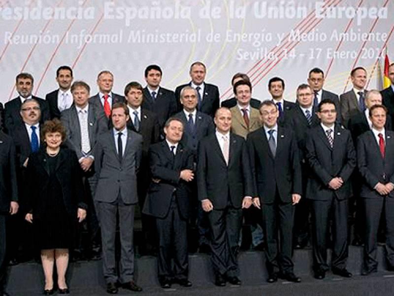 Los Ministros de Energía de los 27 debaten en Sevilla el futuro modelo energético europeo.