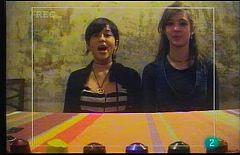 Terra verda - Amics del Planeta: Paula i Magalí - Fer unes arracades a partir de les capsules de cafè