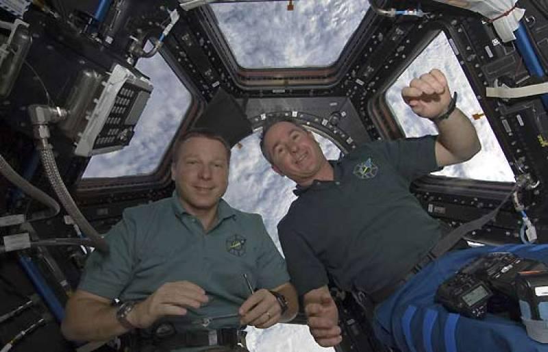Ceremonia de inauguración de la Cúpula, el nuevo módulo de la ISS instalado en la penúltima misión del Endeavour.