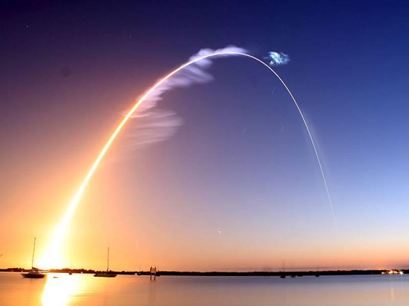 El transbordador 'Discovery' de la NASA ha puesto rumbo a la Estación Espacial Internacional con siete astronautas a bordo y el nuevo módulo de la plataforma orbital 'Leonard', una misión que tendrá una duración de trece días.