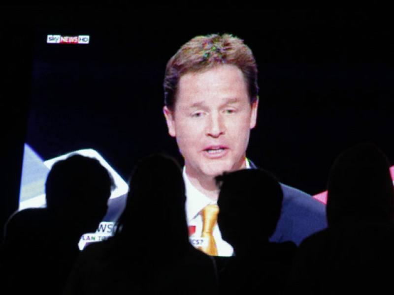 La economía centrará el último debate entre los tres candidatos británicos.