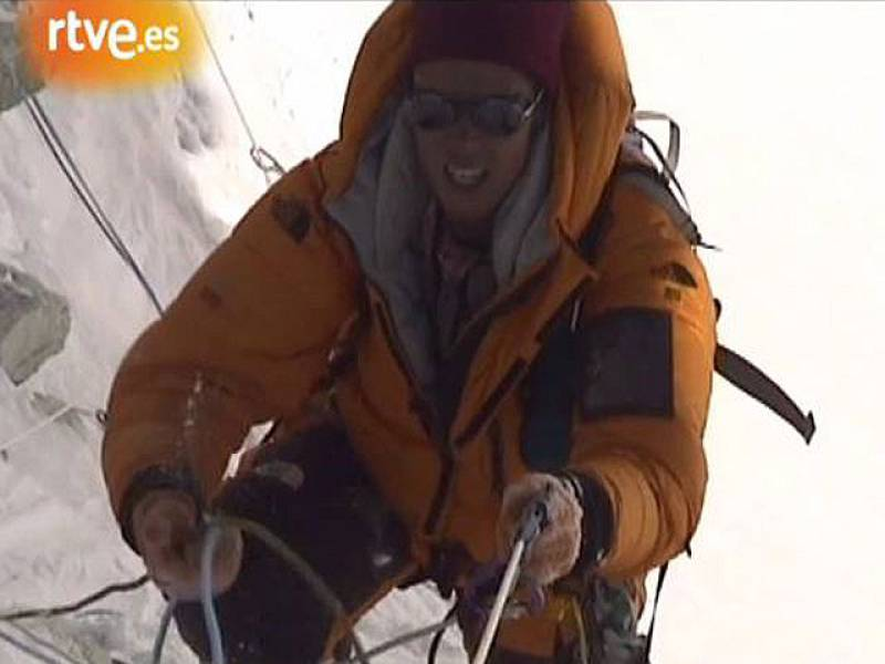 El equipo de Al filo de lo imposible se traslada al Himalaya para cubrir la expedición de Edurne Pasabán al Gasherbrum I y II.