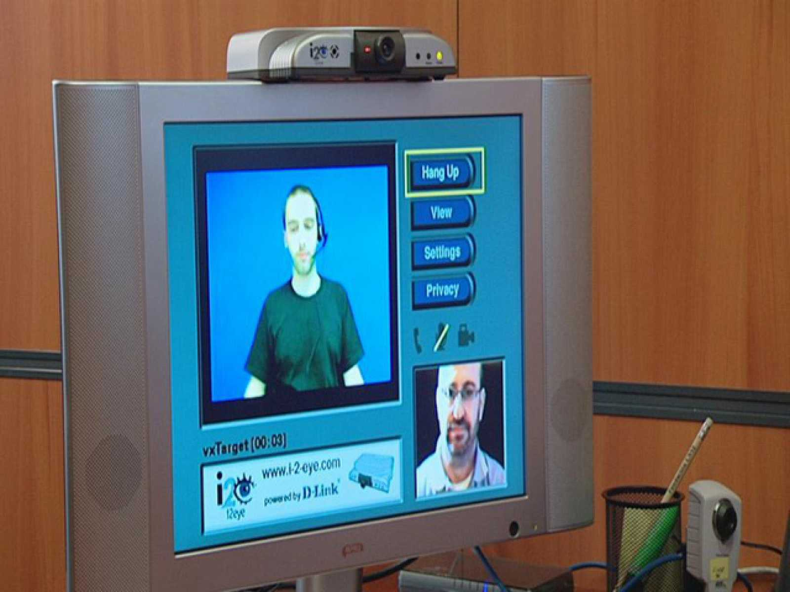 El mundo se mueve contigo / Tecnosoluciones: Videointerpretación en lengua de signos