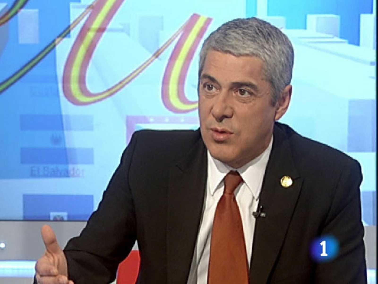 El primer ministro de Portugal, José Sócrates, en los Desayunos de TVE